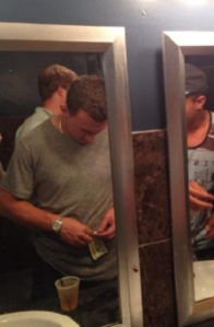 johnny-manziel-rolling-bills-bathroom-cocaine
